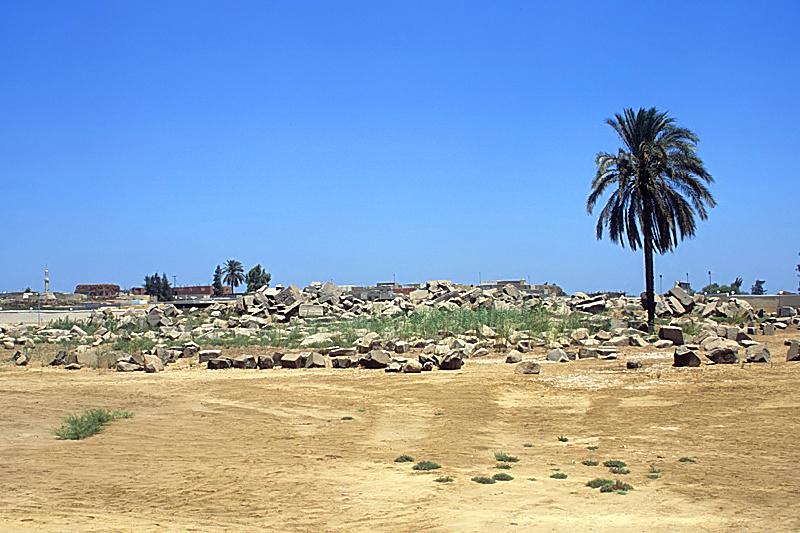 قرية بهبيت الحجارة